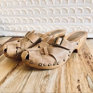 CHINESE LAUNDRY TAN WOVEN LEATHER SLIP ON CLOG